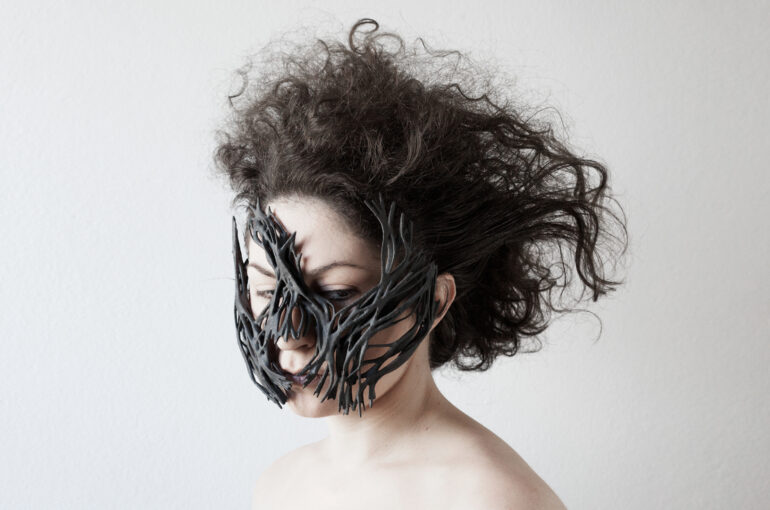 POSTNATURAL PROSTHESES: THE PROTECTIVE MASK